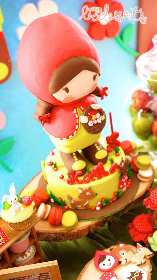 little-red-riding-hood-cake-3